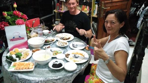 Test food oleh Jhon dan Lisa