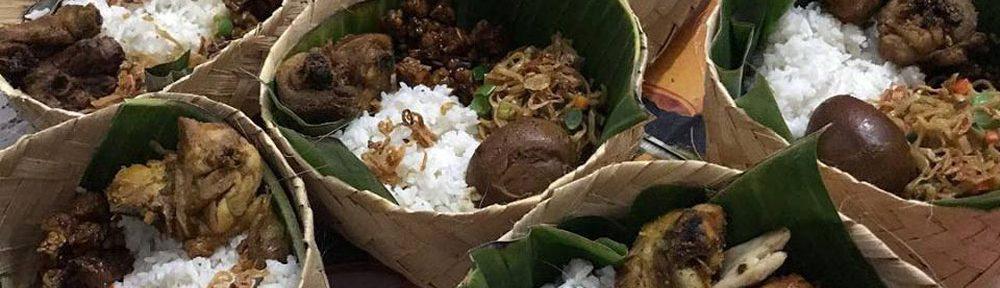 Makanan di Nasi Kotak Besek
